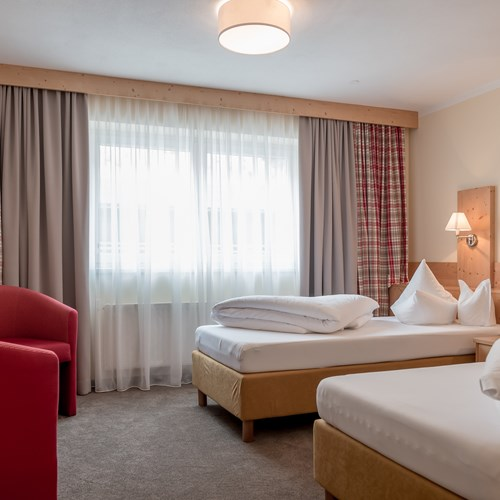Burghotel Alpenguhn-Ski Accommodation in Obergurgl-Austria-twin room