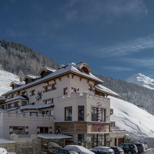 Burghotel Alpenguhn-Ski Accommodation in Obergurgl-Austria-exterior
