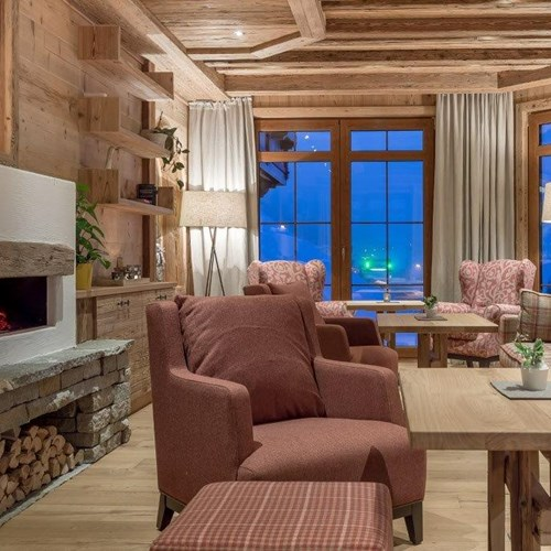 Burghotel Alpenguhn-Ski Accommodation in Obergurgl-lounge with fireplace