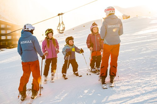 ski school group on the slopes, ski tuition in Myrkdalen, Norway