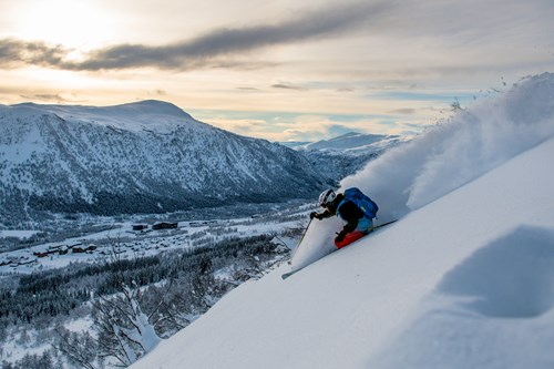 off-piste skiing down to Myrkdalen, ski holiday in Norway
