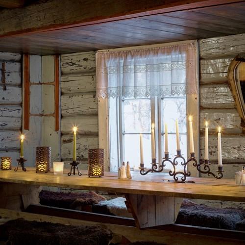 Hotel Bardola, Geilo ski resort, Norway-dining table rustic