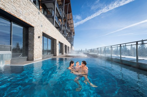 outdoor pool by the pistes at Radisson Blu Mountain Resort Trysil