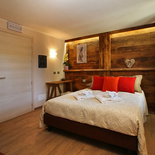 Hotel Serendipity Sauze d'oulx-Italy-room with double bed