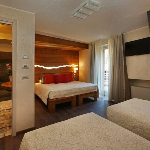 Hotel Serendipity Sauze d'oulx-Italy-triple room