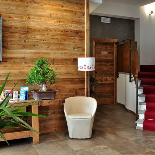Hotel Serendipity Sauze d'oulx-Italy-lobby area