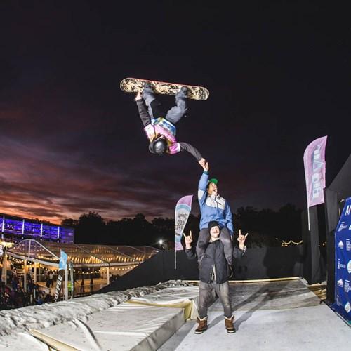 Telegraph ski and snowboard show-mount battersea tricks