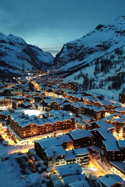 Val d'Isere-ski holidays-France-village lit up at night