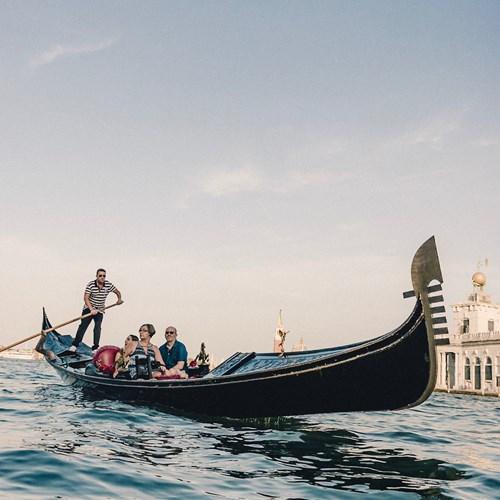 Venice-Italy-multicentre-gondola trip