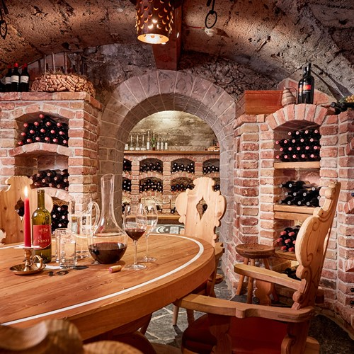 Hotel-Neue-Post-Mayrhofen-ski-resort-wine-cellar