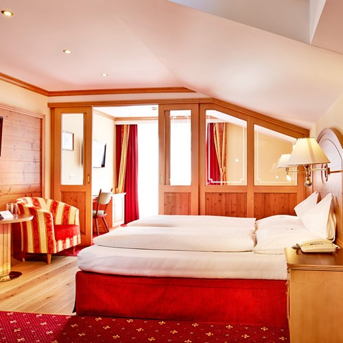 Hotel-Neue-Post-Mayrhofen-ski-resort-junior-suite