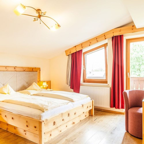 Hotel-Sonnblick-Kaprun-ski-resort-Austria-comfort double room