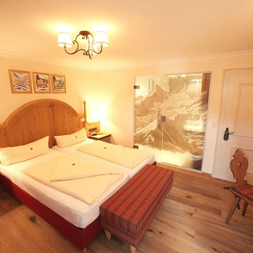 Hotel-Sonnblick-Kaprun-ski-resort-Austria-double-room-Kitzsteinhorn