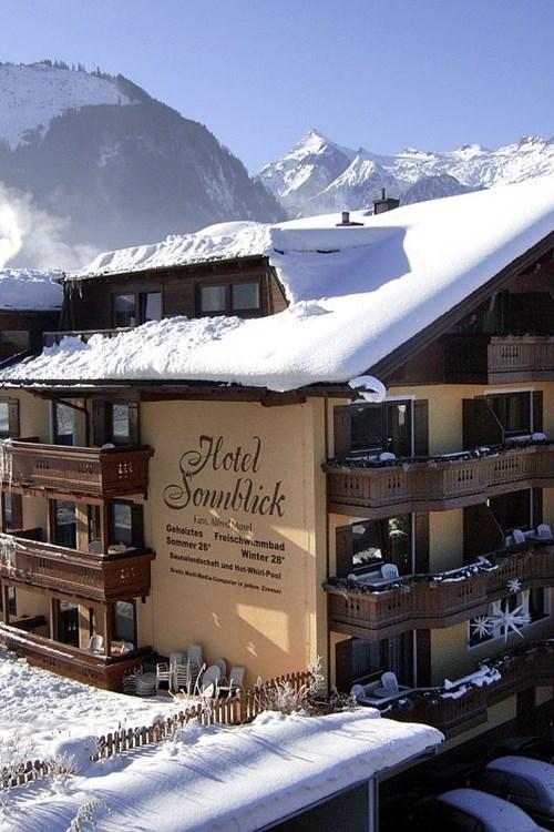 Hotel-Sonnblick-Kaprun-ski-resort-Austria-hotel exterior