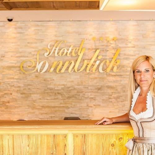 Hotel-Sonnblick-Kaprun-ski-resort-Austria-reception
