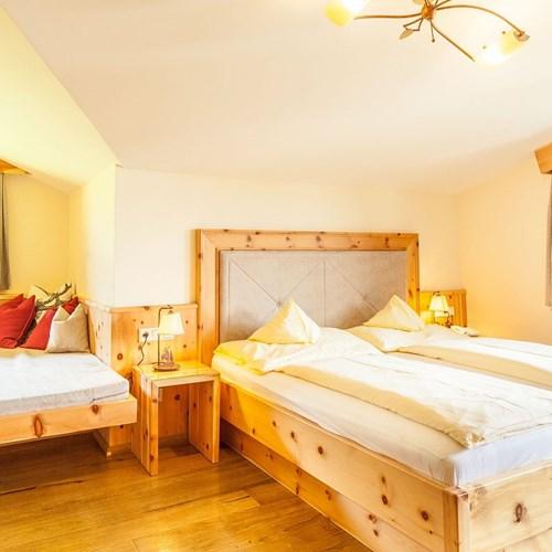 Hotel-Sonnblick-Kaprun-ski-resort-Austria-guest room