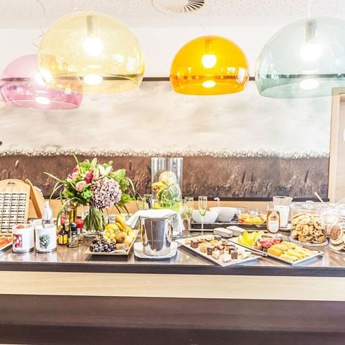 Hotel-Lederer's-Living-design-hotel-Kaprun-breakfast-buffet