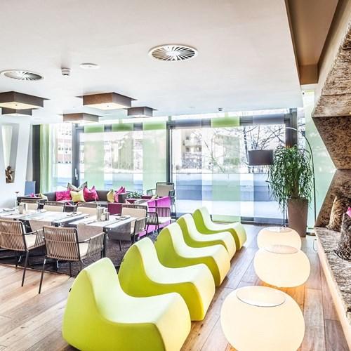 Hotel-Lederer's-Living-design-hotel-Kaprun-dining area