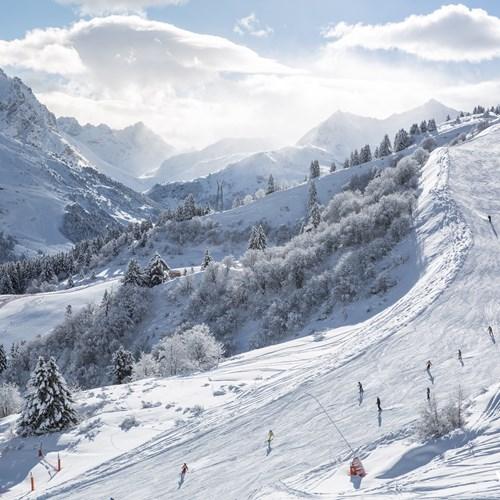 Meribel-ski-weekends-France-ski-piste-fantastic-views