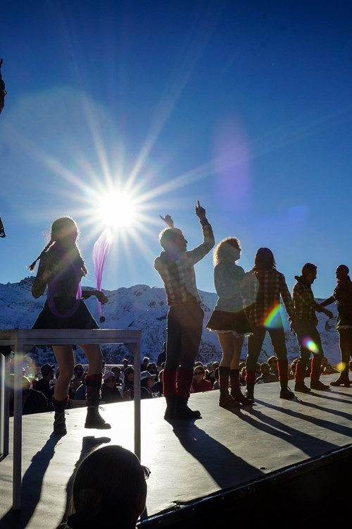 Meribel ski weekends Three Valleys Folie Douce dancers performing