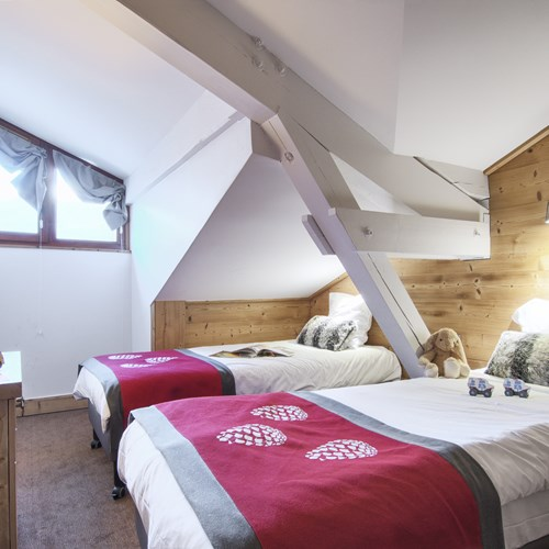 Les-Chalets-du-Forum-Courchevel-1850-twin room