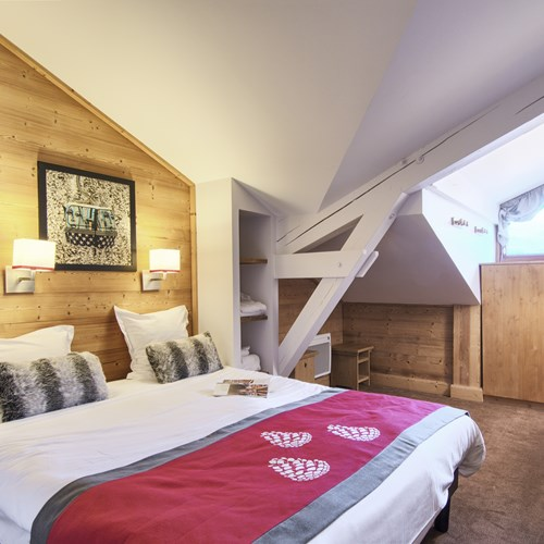 Les-Chalets-du-Forum-Courchevel-1850-double room