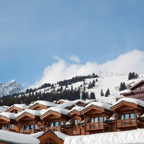 Les-Chalets-du-Forum-Courchevel-1850-self catering apartments exterior