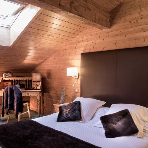 Hotel Beauregard-La Clusaz-guest room in the eaves