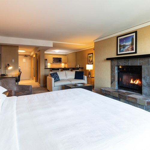 Hilton-Whistler-Resort-and-Spa-premier studio room