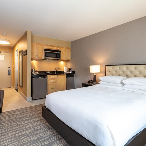 Hilton-Whistler-Resort-and-Spa-Studio-room