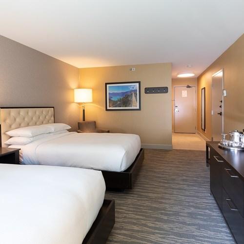 Hilton-Whistler-Resort-and-Spa-hilton room