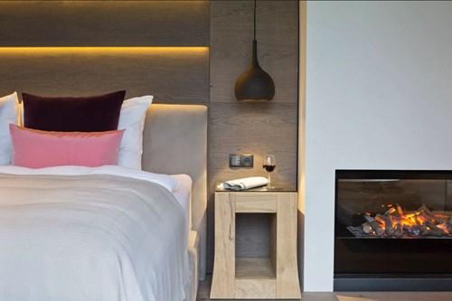 Hotel-Elisabeth-Mayrhofen-penthouse-suite-bed.JPG