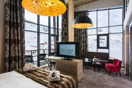 Taj-i-Mah-Les-Arcs-Mezzanine-suite.jpg