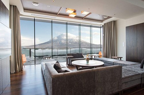 Ki-Niseko-Penthouse-Internal-Yotei-View.jpg