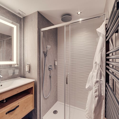 Hotel Avancher in Val d'Isere ski resort duplex suite shower room