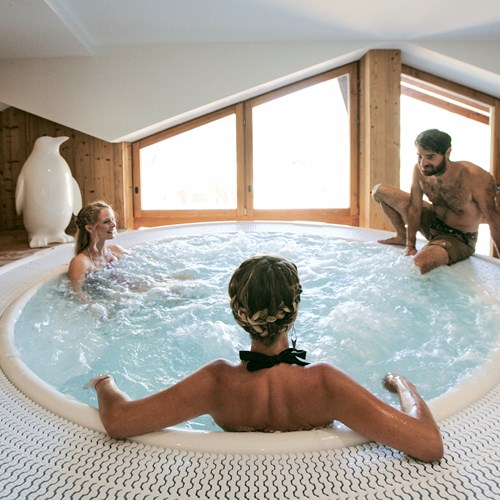 Hotel Avancher Val d'Isere hot tub