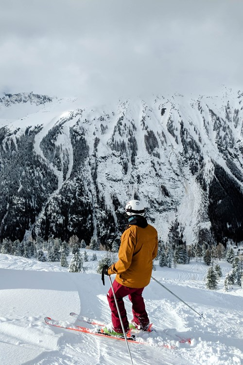 201801 Chamonix Skiing liam and mountains of piste no number.jpg