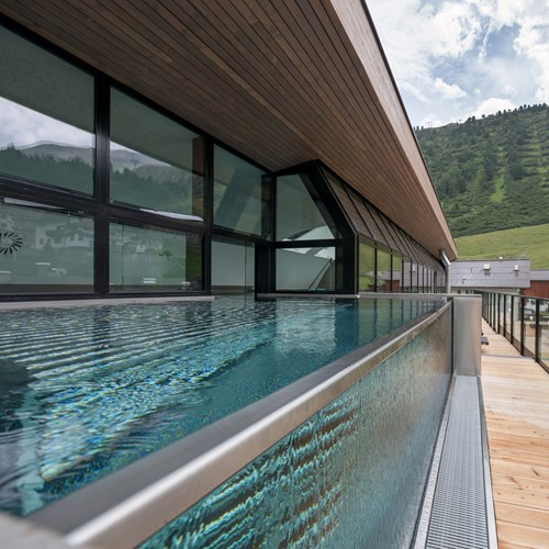 rooftop swimming pool at the Hotel Josl in Obergurgl