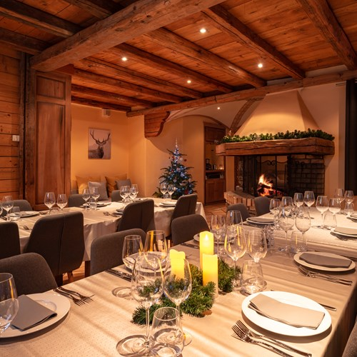 ski chalet in Meribel, dining area at Chalet Ophelia