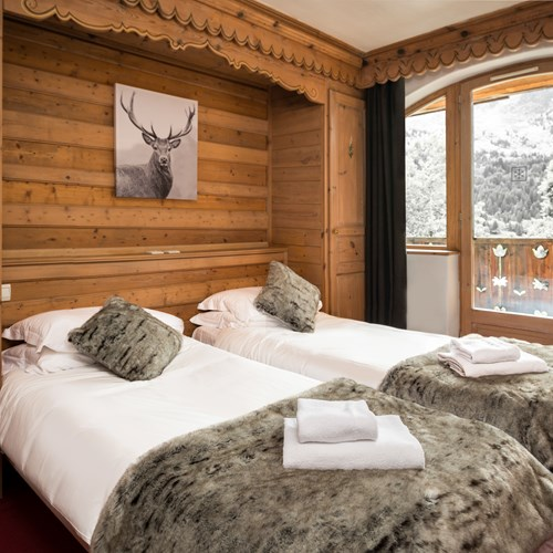 twin room at Chalet Ophelia, ski chalet in Meribel