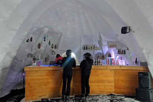 Igloo bar in Les Arcs