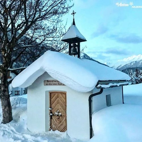 St Anton @stantonamarlberg 10am 11th Jan