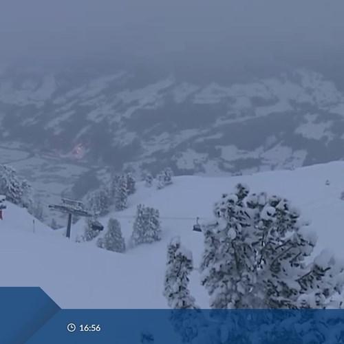 Mayrhofen Penken webcam 16:56 11th Jan