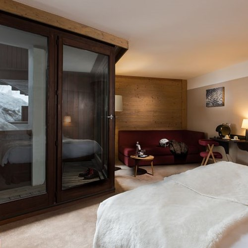 Hotel-Aigle-des-Neiges-Val-dIsere-guest-room.jpg