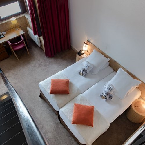 Hotel-Aigle-des-Neiges-Val-dIsere-twin-beds.jpg