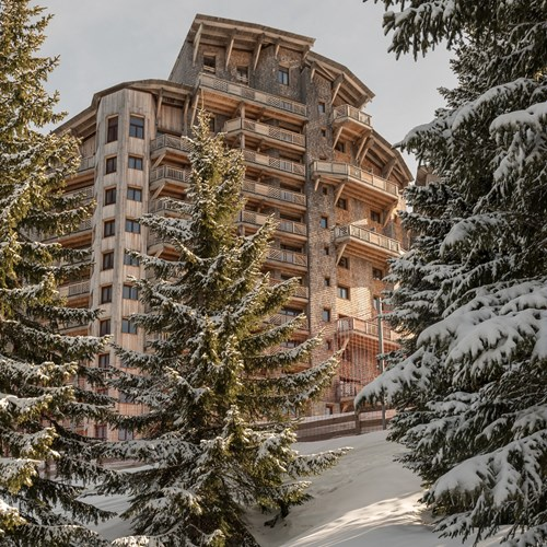 Residence L'Amara exterior trees, self catering apartments in Avoriaz