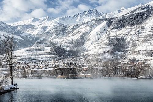 Mountain and lake-early season skiing
