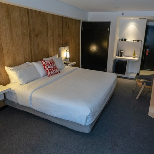deluxe king room Hotel Aava Whistler