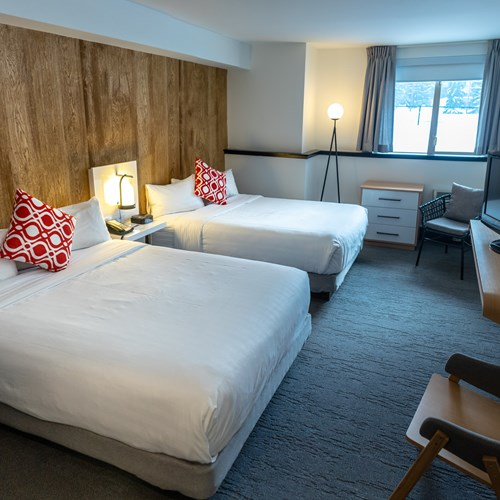 deluxe queen room two beds Hotel Aava Whistler
