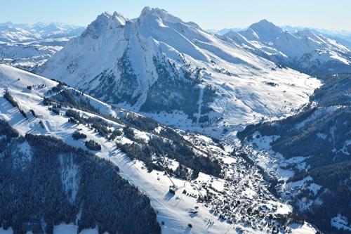 ski resorts near geneva, La Clusaz